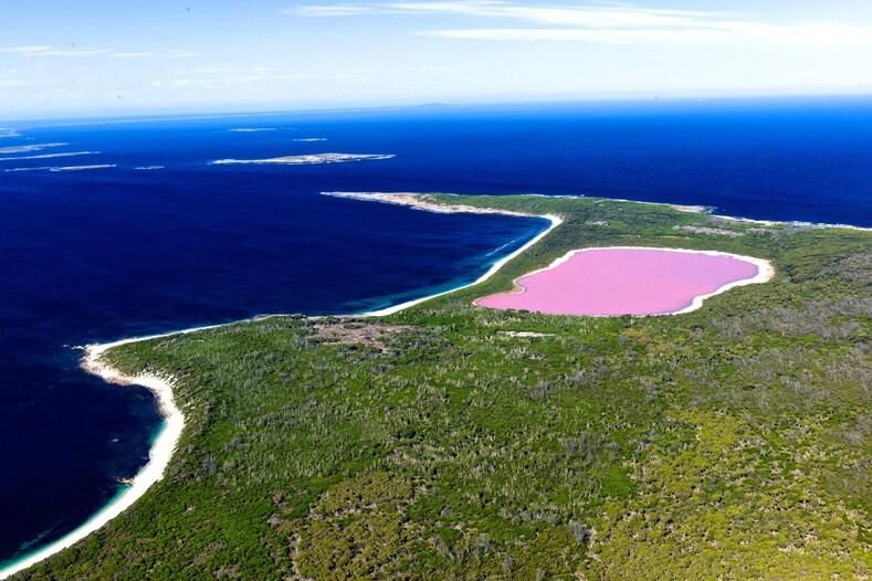 11 удивительно красивых озер со всего света