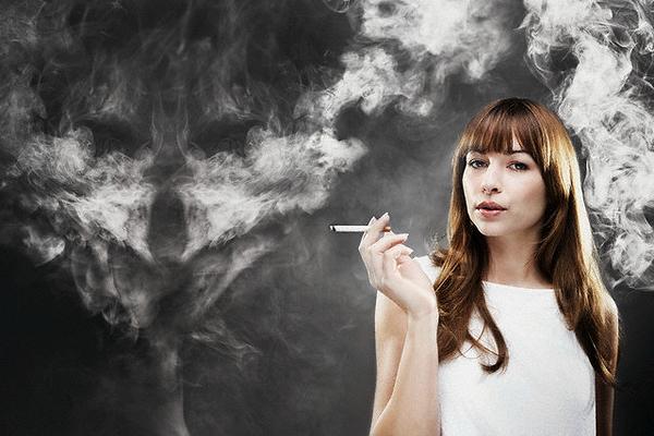 Курить только по выходным опаснее, чем каждый день