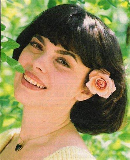 Легендарная Мирей Матье с пе…