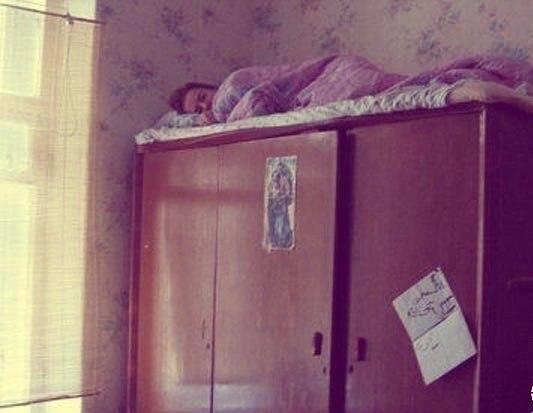 Мама спит, ее достали!:)