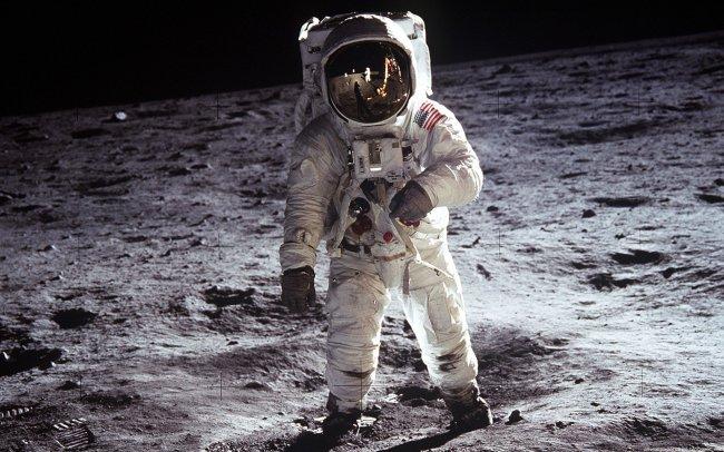 Исследователи вынудили рассекретить некоторые материалы о полёте на Луну
