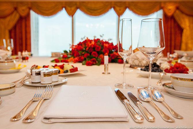 Как выглядит самый дорогой номер в семизвездочном отеле Дубая