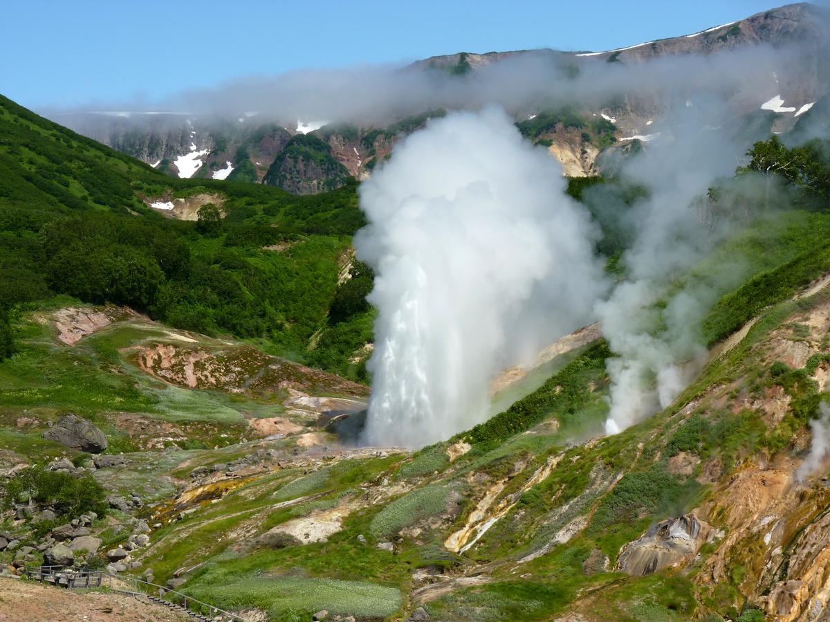 Долина гейзеров. Извержение гейзера.