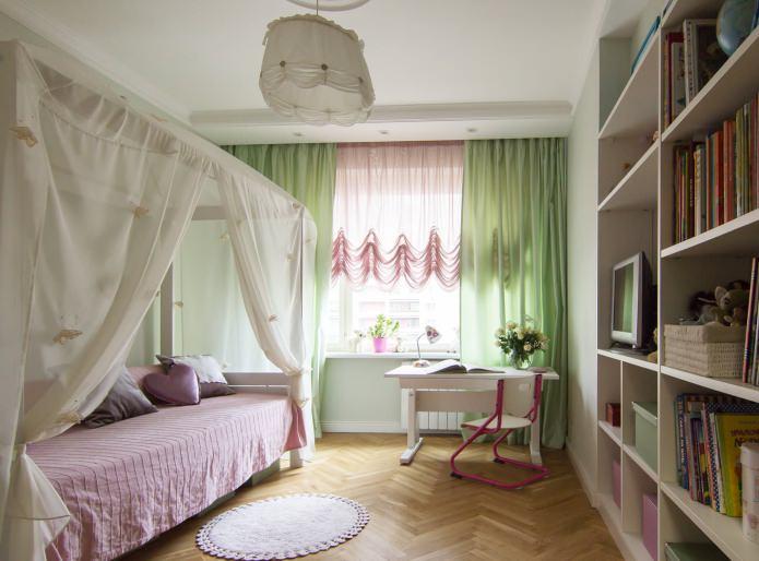 розовый и зеленый тюль в детской
