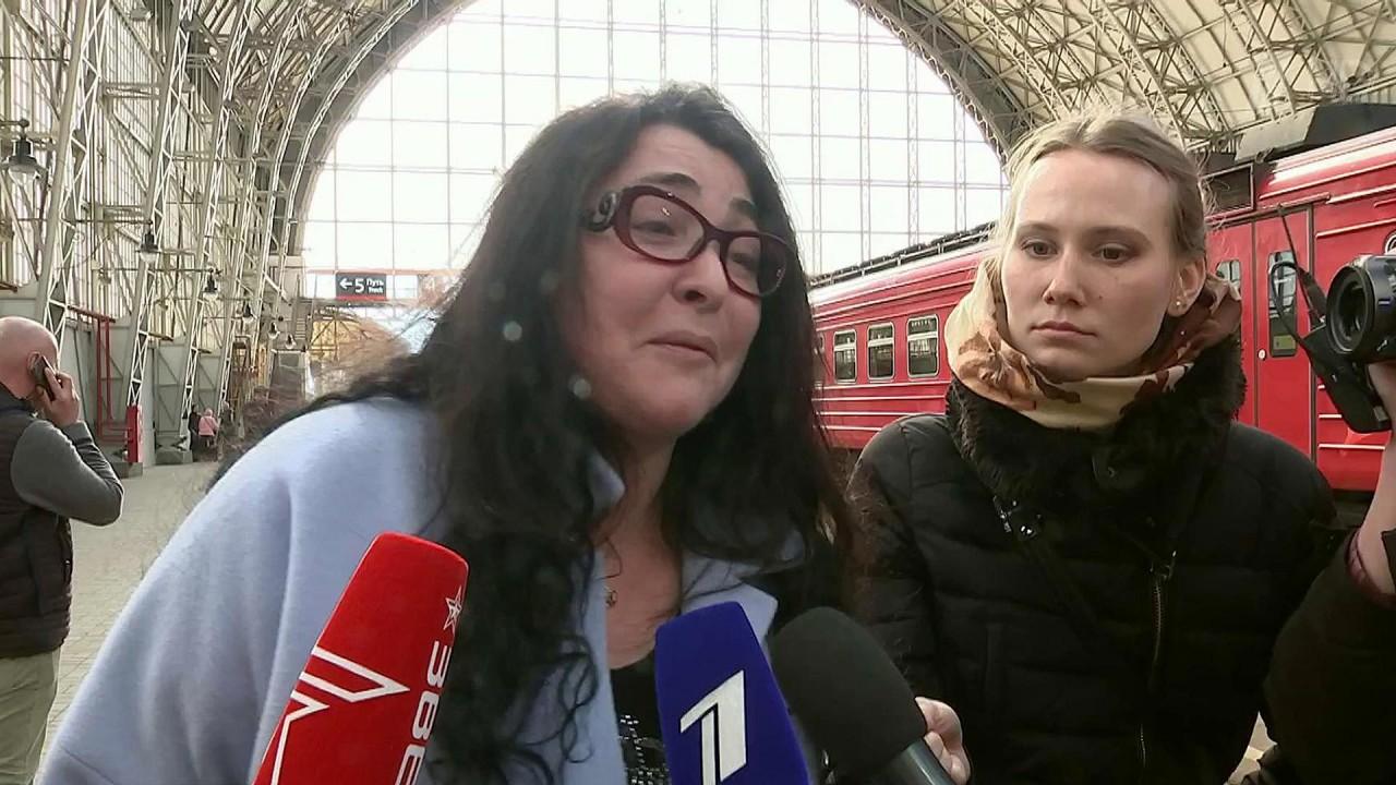 Картинки по запросу Лолита рассказала, почему оставила дочь жить в другой стране