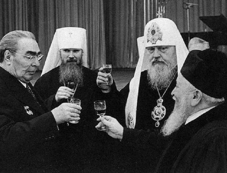 КПСС берёт власть: истоки советского дворцового переворота