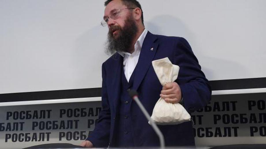 Стерлигов объяснил, почему предложил беднякам платить 440 рублей за хлеб