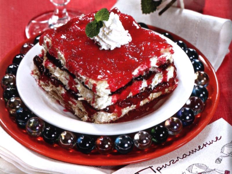 Ванильно-клубничные пирожные
