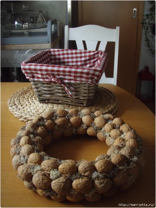 рождественский венок из грецких орехов (45) (525x700, 300Kb)