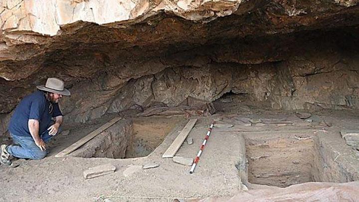 Этот археолог отошел справить нужду и... обнаружил нечто совершенно сенсационное!