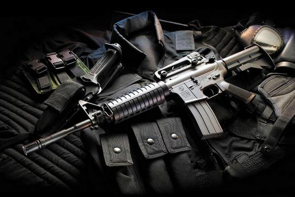 Для кого то война - что корова дойна. А в это время Яценюк и Аваков продают американское оружие в Сирию.