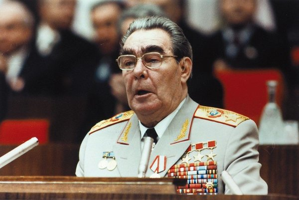 О чувстве стыда за Брежнева, Ельцина и Путина