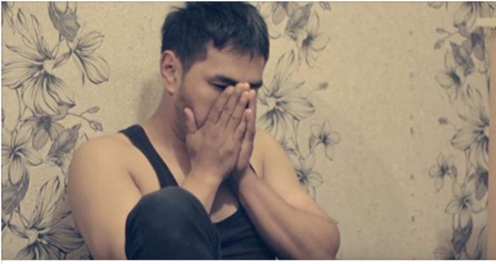 Муж решил проверить жену на верность. То, что он узнал в результате, вызвало у него слезы!
