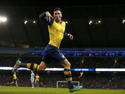 «Арсенал» на выезде переиграл «Манчестер Сити» благодаря голам Касорлы и Жиру