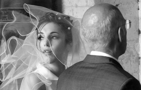 Последствия выхода замуж за мужчину старше себя