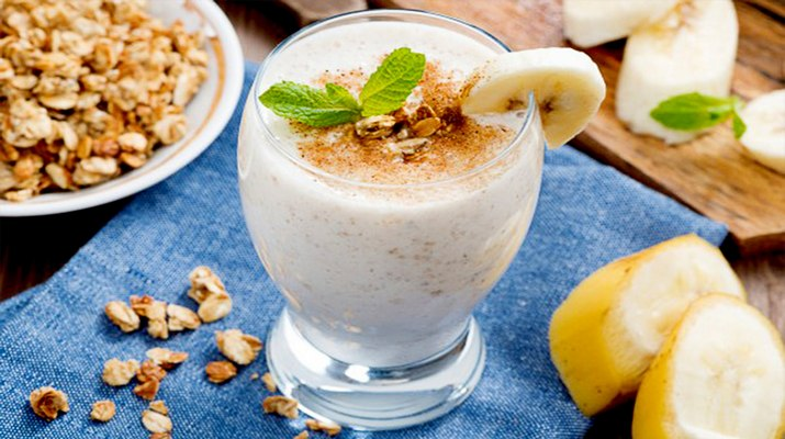 Бананово-арахисовый смузи