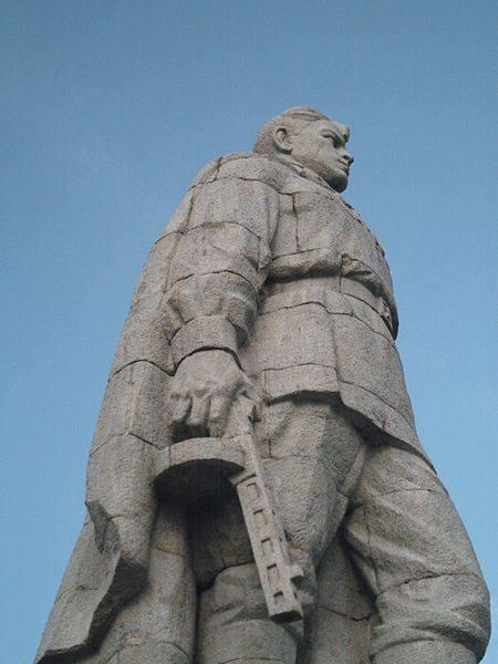 «Стоит над горою Алеша». 10 самых известных памятников советским солдатам
