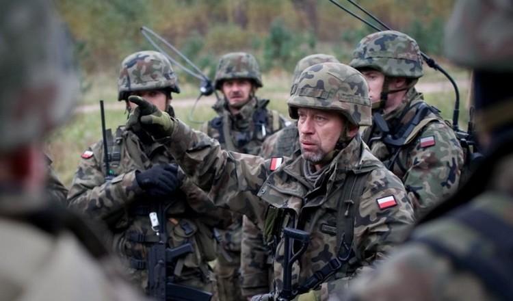 На берегу Северского Донца замечена польская ЧВК с замаскированными танками
