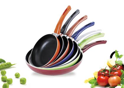 Чем отличаются керамические сковородки от сковородок с тефлоновым покрытием
