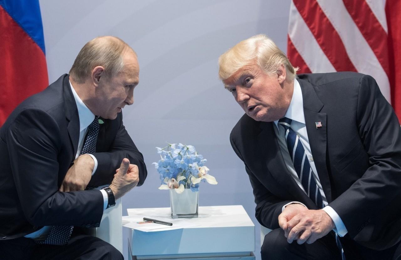 """""""Даже если подарят Москву"""". Трамп ожидает критику после встречи с Путиным"""