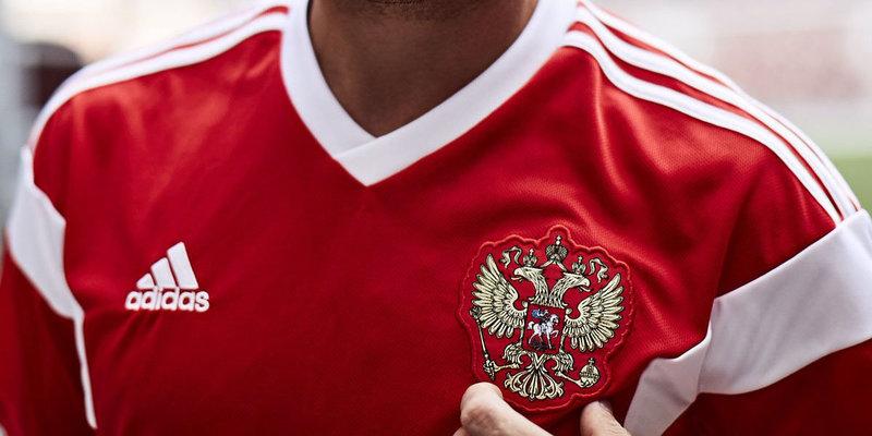 «Матч ТВ» рассказал о бразильце, собравшем уникальную коллекцию футболок советской и российской сборных