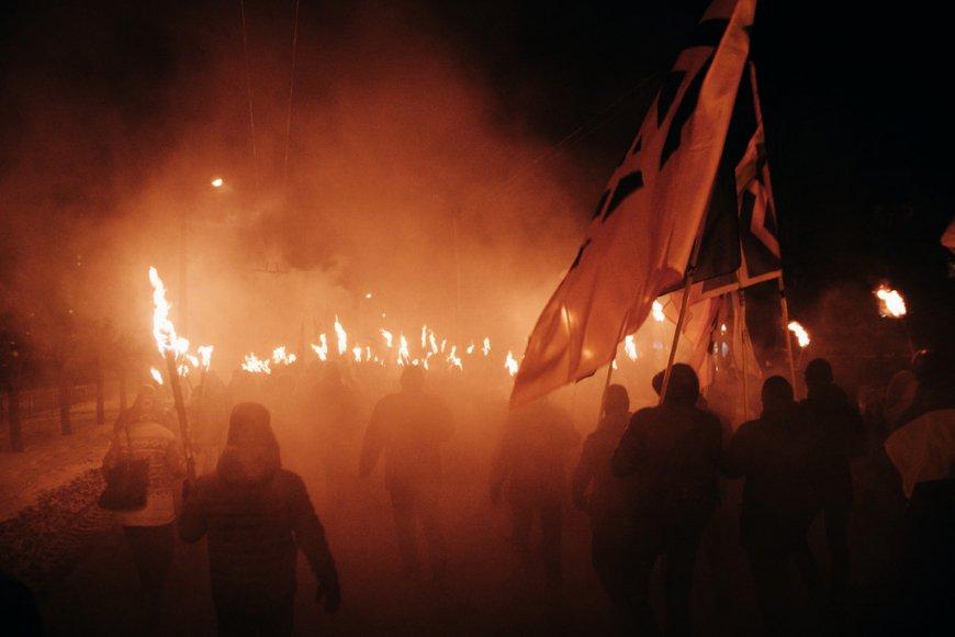 Защита страны – это не факельные шествия: на ТВ Коломойского предупредили об опасности превращения Украины в нацистское государство
