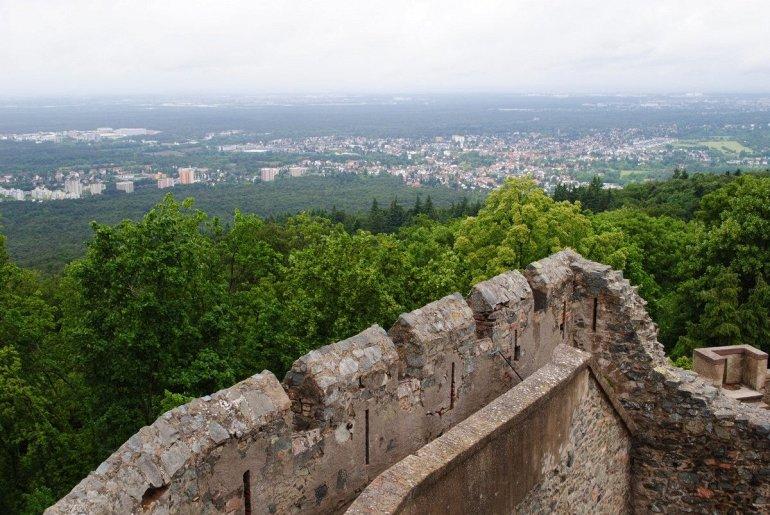 Экскурсия по замку Франкенштейна в Германии