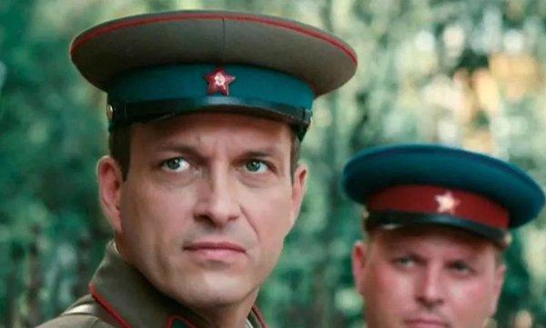Кадр из фильма «По законам военного времени»