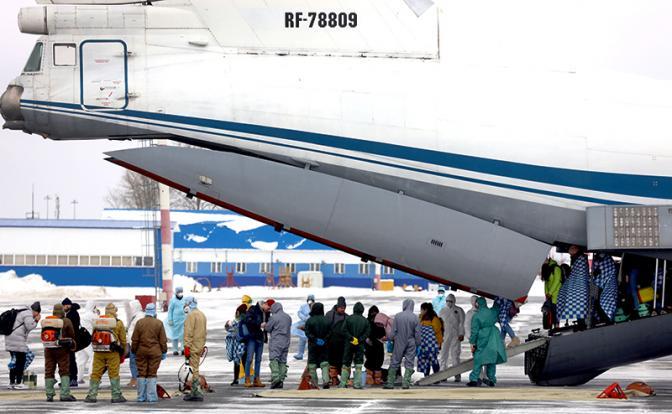 Родина-мать не зовет: 25 тыс. русских туристов зависли между небом и чужой землей
