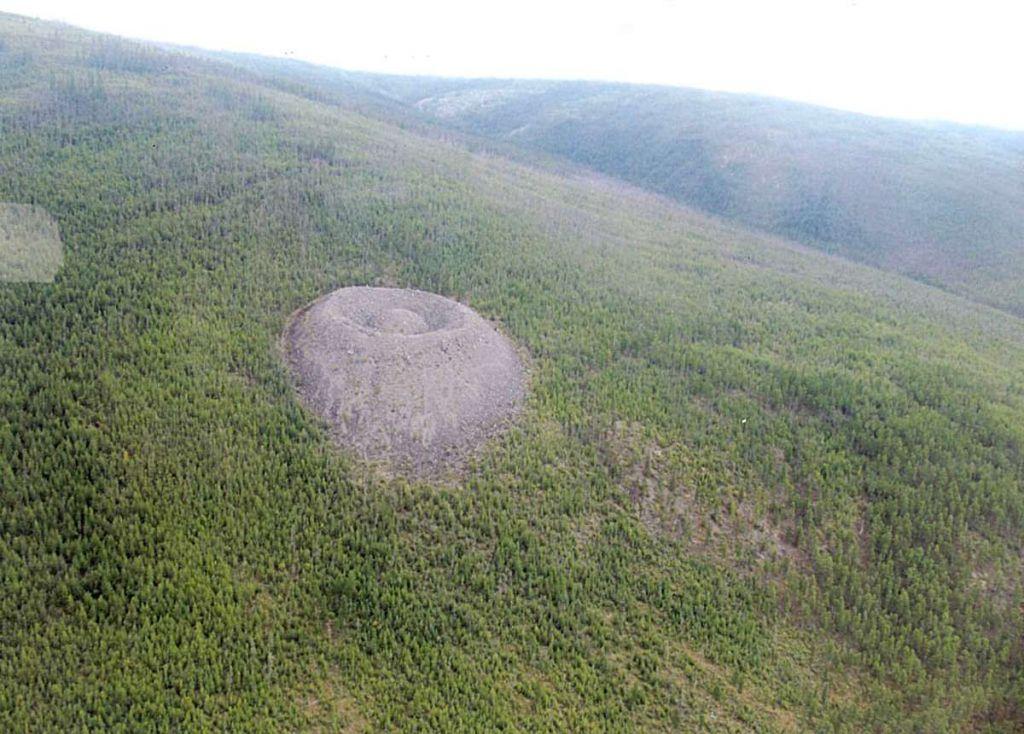 Патомский кратер — «Гнездо огненного орла»