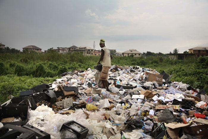 Мусор в Нигерии. Фото: Corbis.
