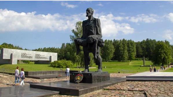 Задумывались почему нет дня холокоста русских, украинцев, белорусов (советских людей)? Есть - только у евреев
