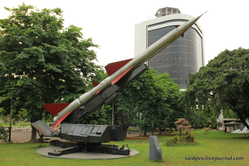 Музей вооруженных сил в Джакарте - ПВО и прочее