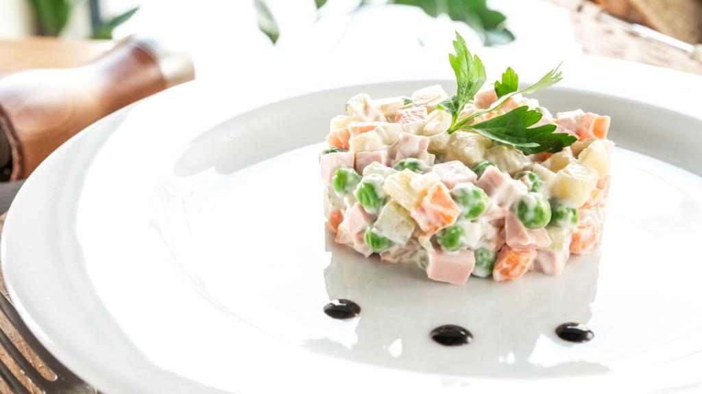 """Набиуллина посчитала стоимость салата """"Оливье"""""""