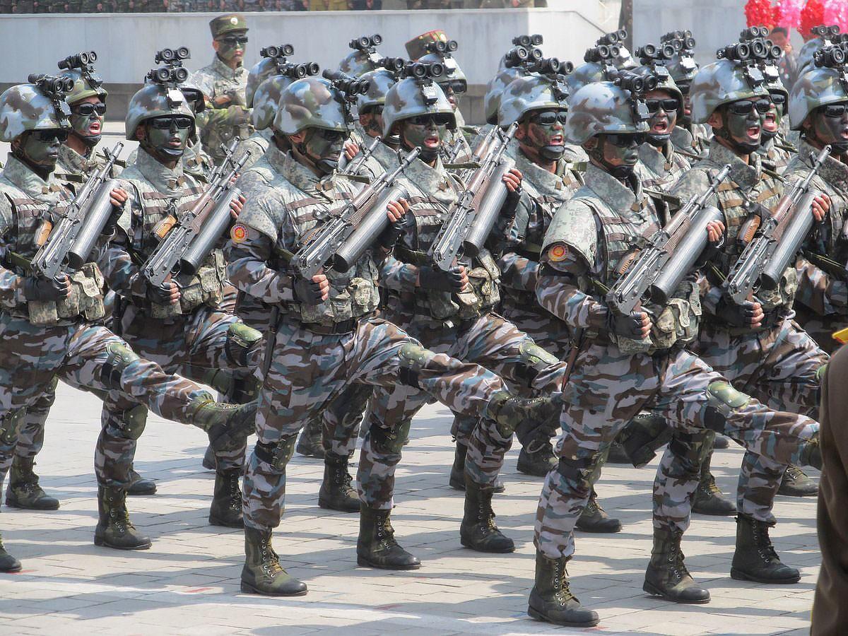 Женские батальоны и МБР в честь Солнца нации: как прошёл военный парад в КНДР