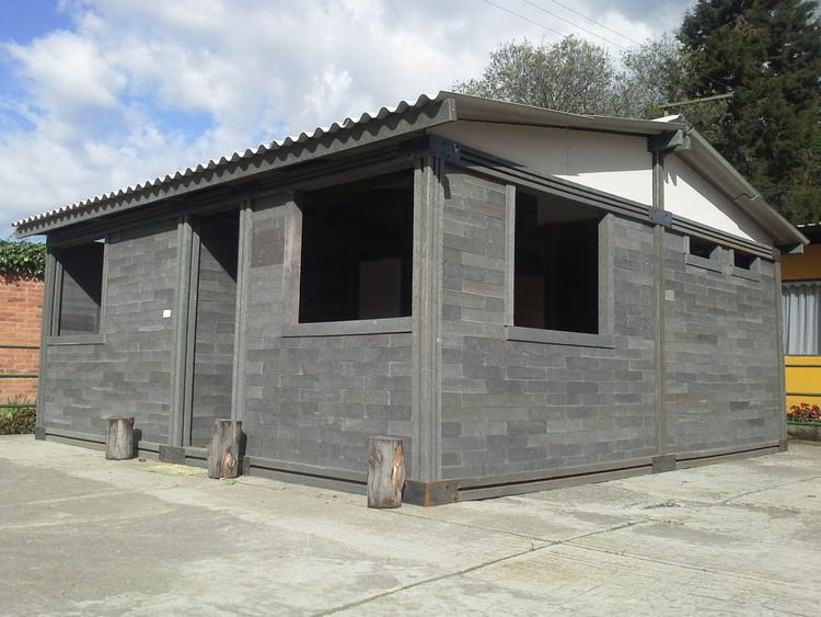 Этот дом из пластиковых кирпичей построили всего за 5 дней