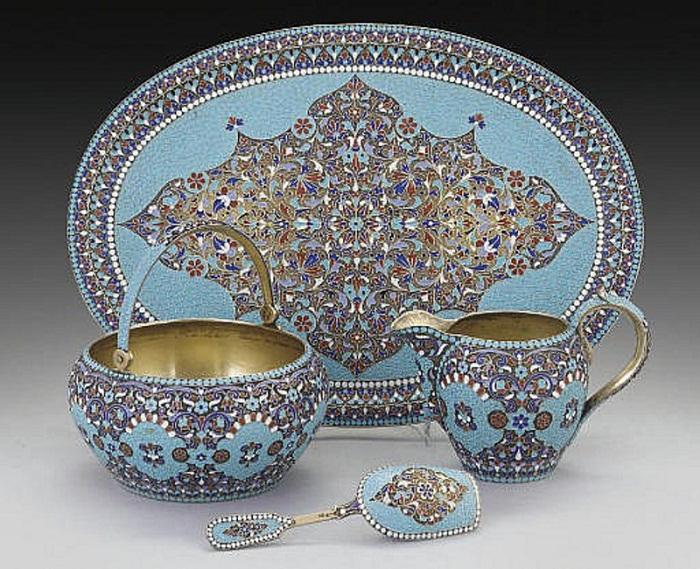Сохранившаяся часть чайного или кофейного сервиза 1896–1908 годов