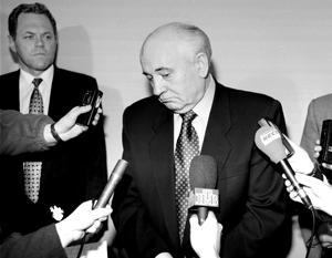 Разгром СССР Горбачев проводил в темпе драп-марша