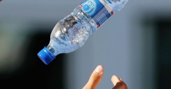 На Кубани бутылка воды стоит 450 рублей