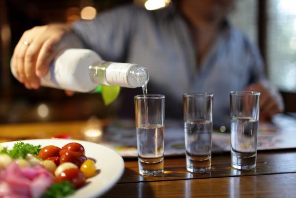Россияне останутся без дешевой водки