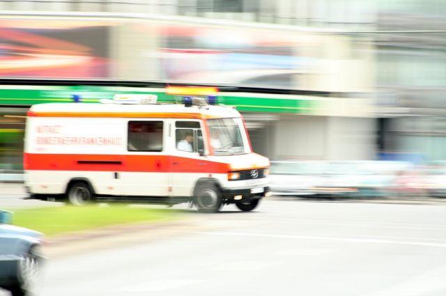 В Германии школьный автобус врезался в стену