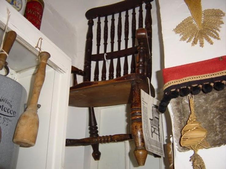 Страшный секрет стульев и другой проклятой мебели