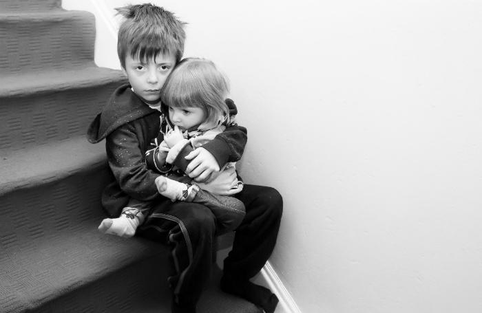 Закон что дышло? Многодетной матери поставили в вину роды за пределами России и лишили прав на жилье