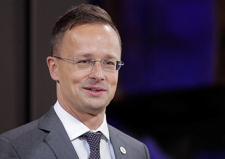 Будапешт предостерег Украину от попыток запугивания закарпатских венгров