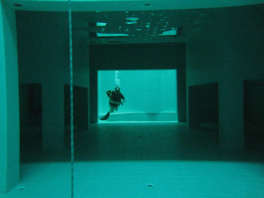 deepest 6 Самый глубокий бассейн в мире