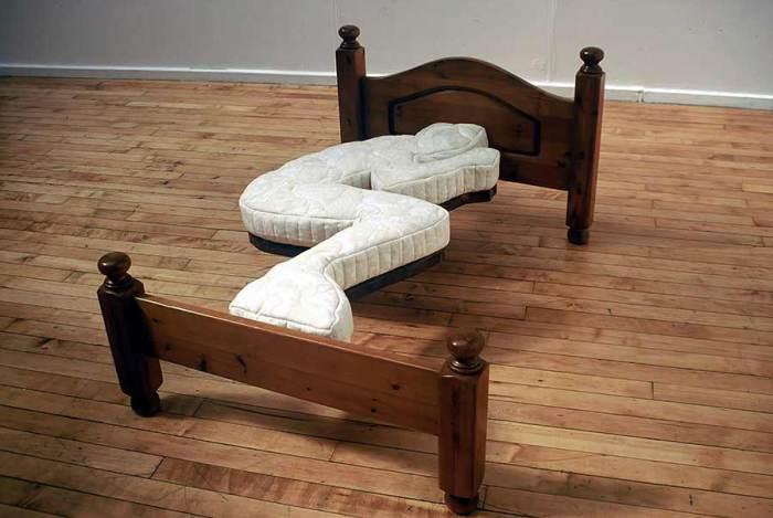 Экстраординарная кровать.