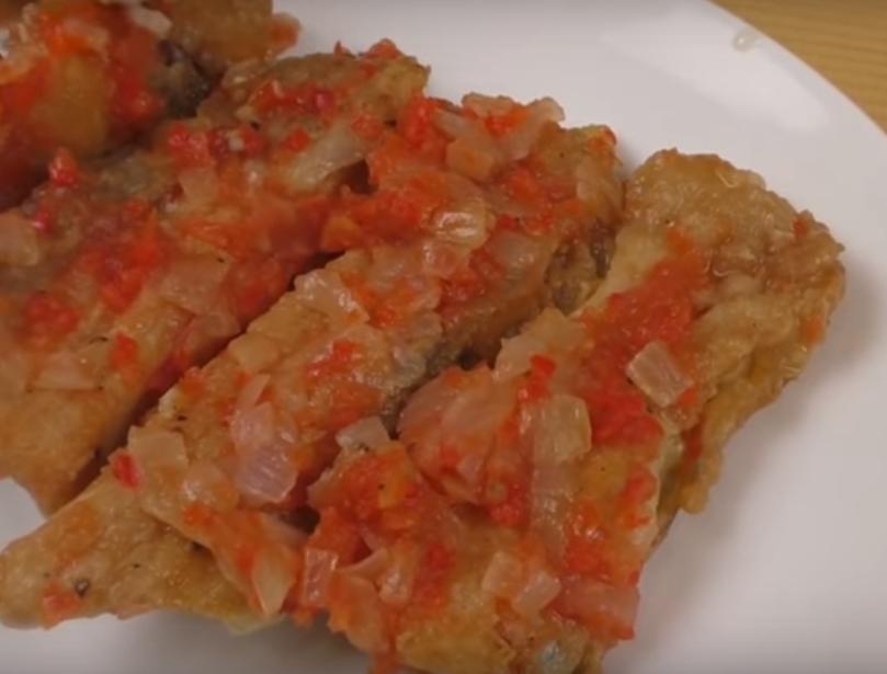 Необычная закуска из жареной рыбки