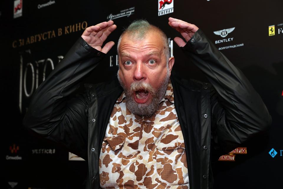 Актера Сергея Пахомова избил…