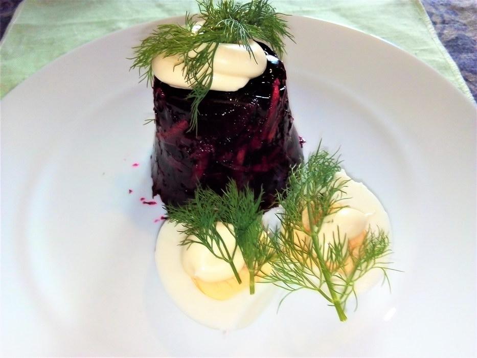 Оригинальная закуска из красной свеклы, как в ресторане