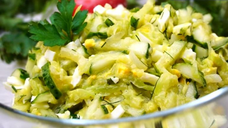 Салат из кабачков с огурцами…